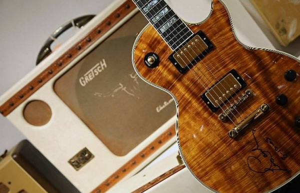 mythical guitar maker gibson fighting for survival