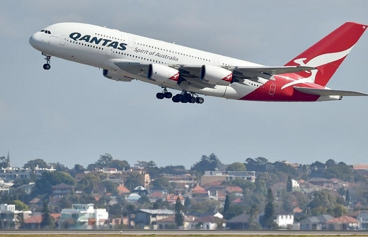 qantas outlines pilot academy plans as profit soars
