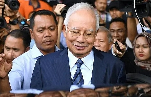 malaysias toppled leader najib to go on trial over 1mdb scandal