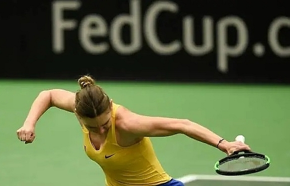 former number ones halep pliskova off to winning fed cup starts