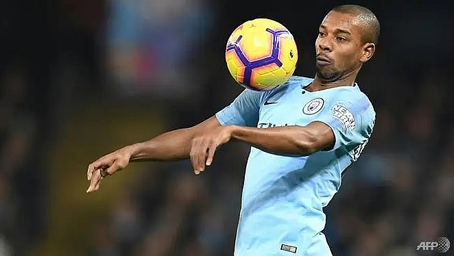 guardiola urges fernandinho to drop back for a future