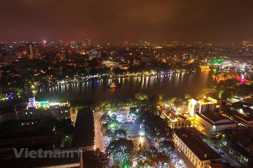 fireworks light up hanoi sky on new year eve