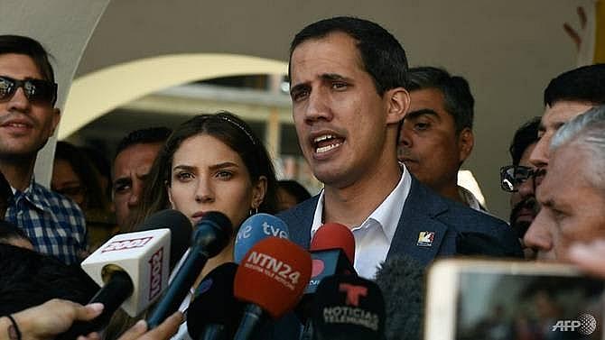 venezuelas guaido warns military on blocked aid