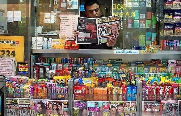 lawyer denies tabloid blackmailed amazon boss bezos