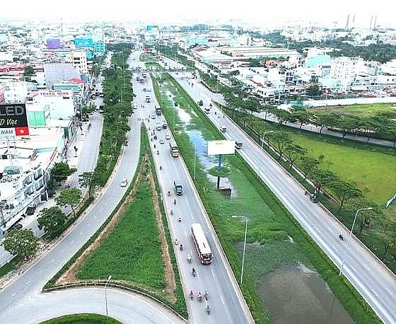 experts call for high speed hcm city can tho railway to ease delta congestion