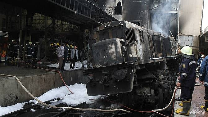 At least 20 killed, 43 injured in crash and fire at Cairo