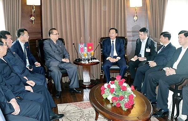 dprk party delegation visits ha long bay