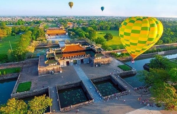 hue international hot air balloon festival on the horizon