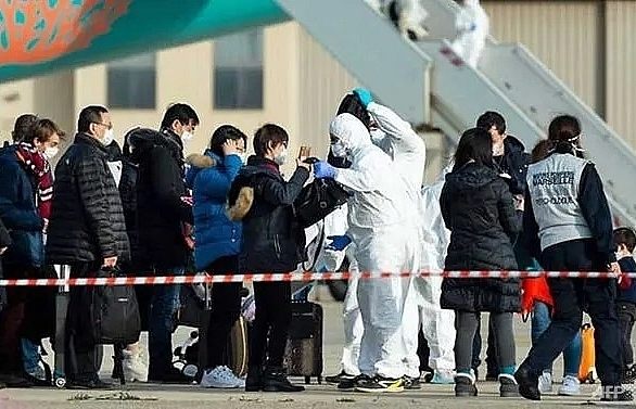 20 china evacuees in france showing coronavirus symptoms minister