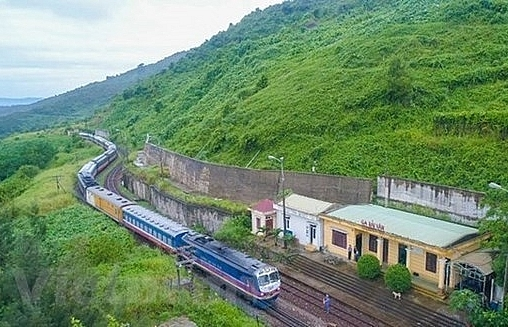 vietnam china passenger trains suspended as coronavirus spreads