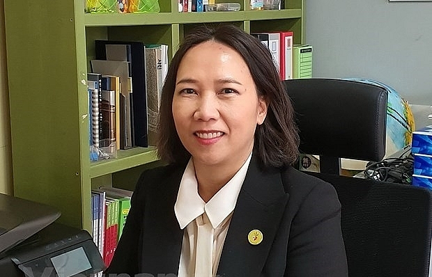 first vietnamese born woman runs for roks legislative elections