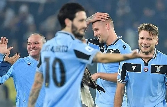 lazio on juves heels as coronavirus fears decimate serie a matches