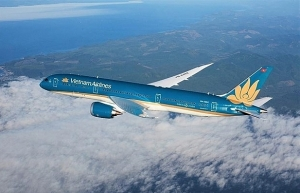 vietnam airlines restores some inflight services thanks to covid 19 fight
