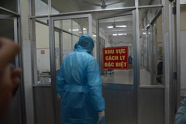 korean and thai tourists quarantined in da nang