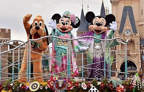 tokyo disney parks closing for two weeks on covid 19 fears