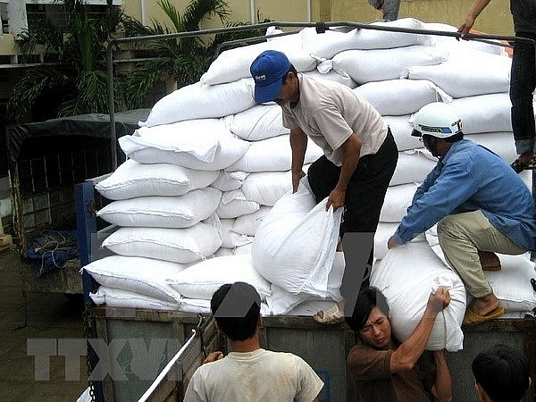 over 1127 tonnes of rice aid heading to quang binh for tet