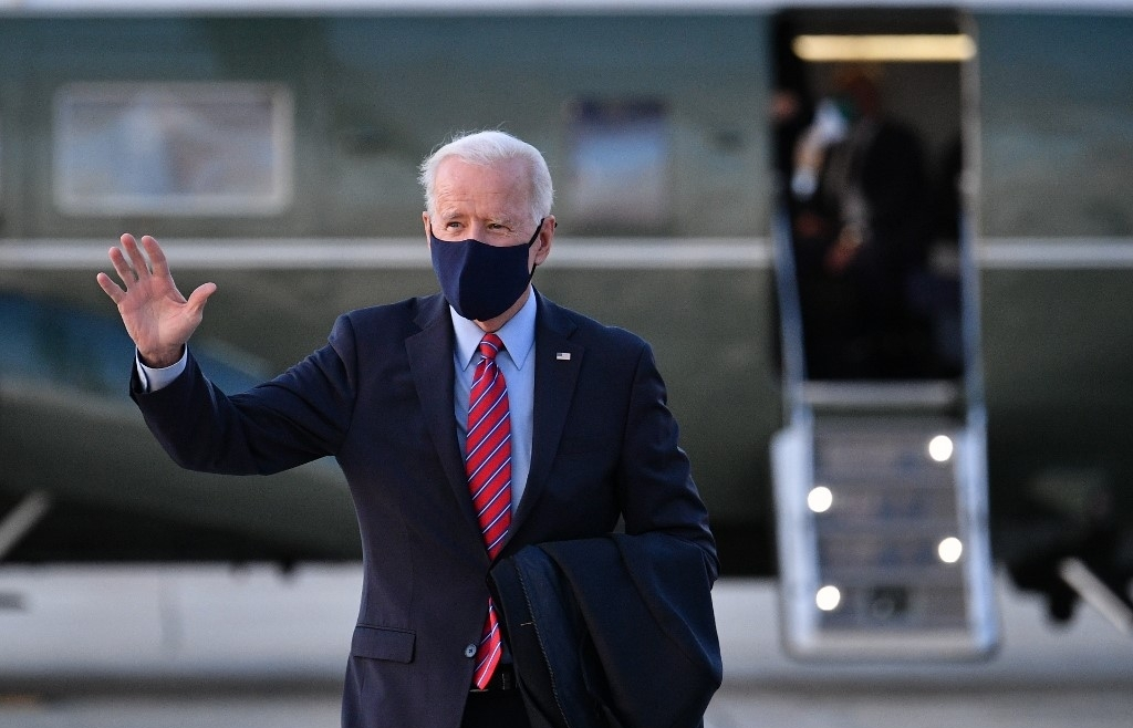 biden says erratic trump should not receive intel briefings
