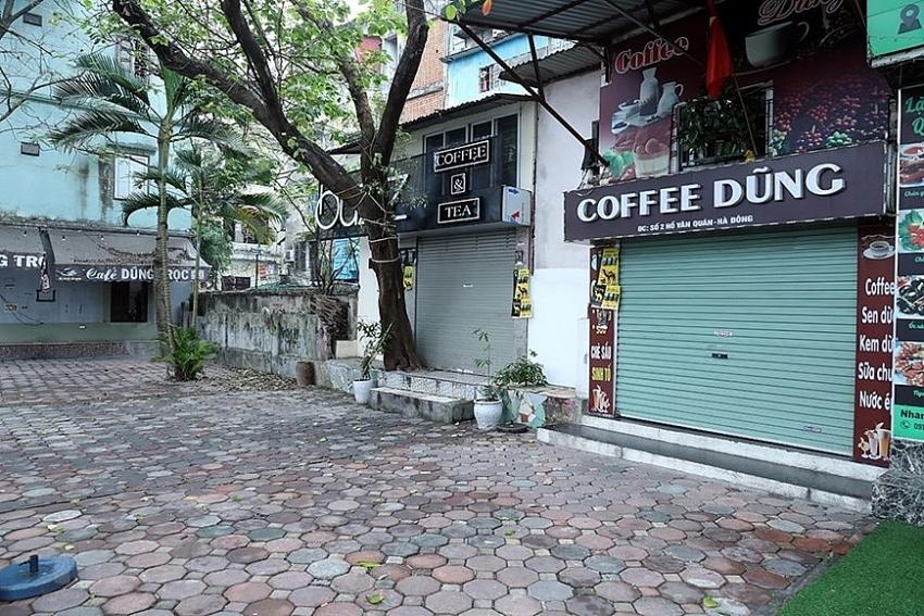 hanoi closes sidewalk eateries cafes to curb covid 19 spread