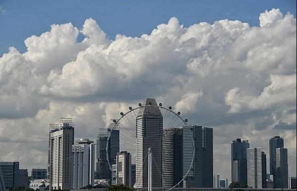 singaporean economy on recovery uncertainties remain