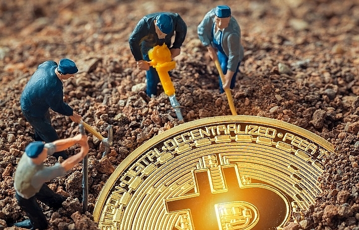 bitcoin goldrush sparks fears of speculative bubble