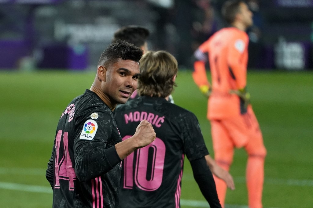 real madrid close on top spot after atletico stumble again