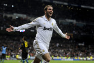 Real Madrid smash Espanyol to go 10 points clear
