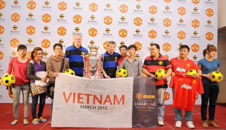 vietnamese fans meet mu legends