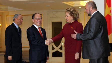 Vietnamese, Russian legislatures set stronger ties