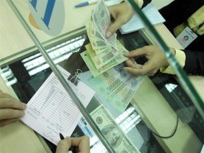banks cut deposit rates as liquidity improves