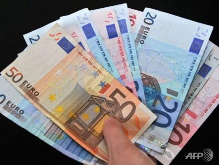eurozone confidence slips in march after recent gains