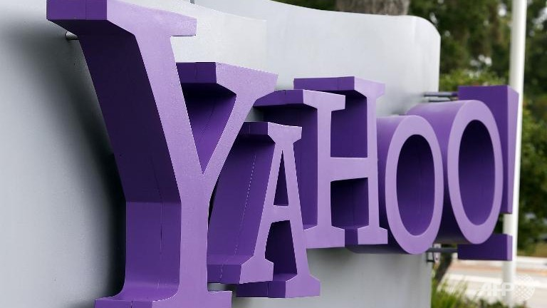 Yahoo spurns Facebook and Google sign-in credentials