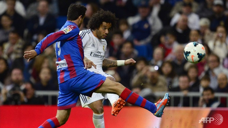 Real Madrid back on top after Levante stroll