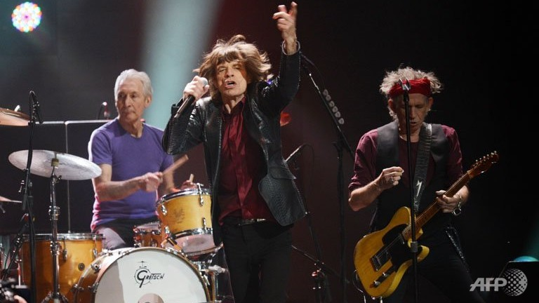 Rolling Stones cancel show after Jagger's girlfriend found dead