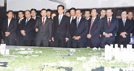PM discusses major expressway investments with Ha Noi leaders