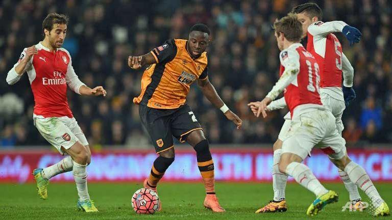 Arsenal ease into FA Cup quarter-finals