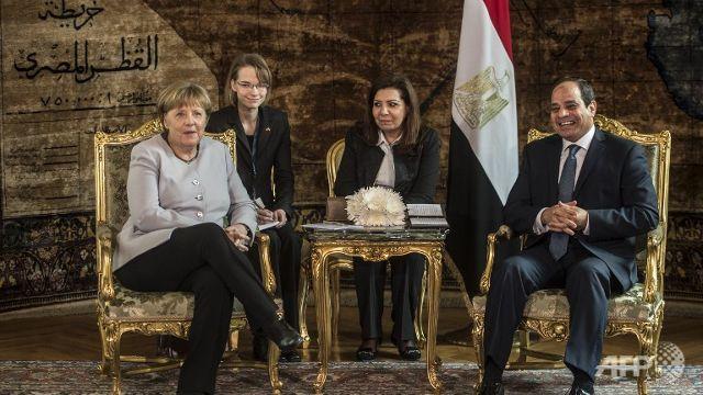 Merkel in Egypt to reduce migrant flows