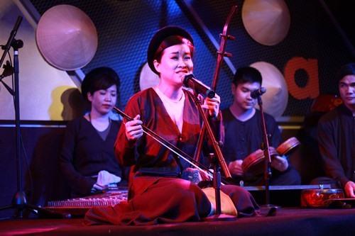 Xẩm musical night by Hoàn Kiếm Lake