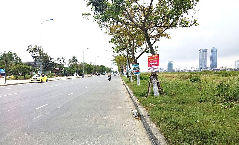 danang land plot segment takes divisive flight