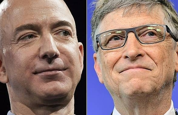 amazon chief jeff bezos tops forbes worlds rich bill gates drops to second