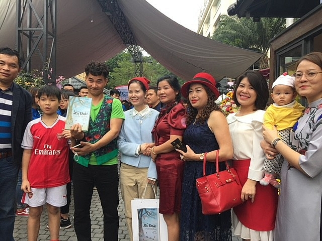 touring book street in hanoi preserving history and culture