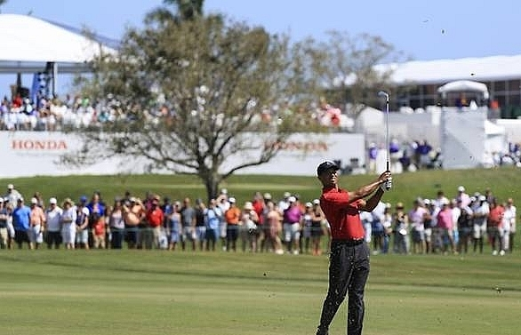 tiger inspired by mickelson eyes masters challenge