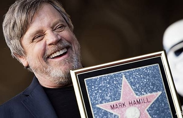 mark hamill bags hollywood star with no wars required