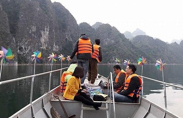 thai youth promote son la tourism
