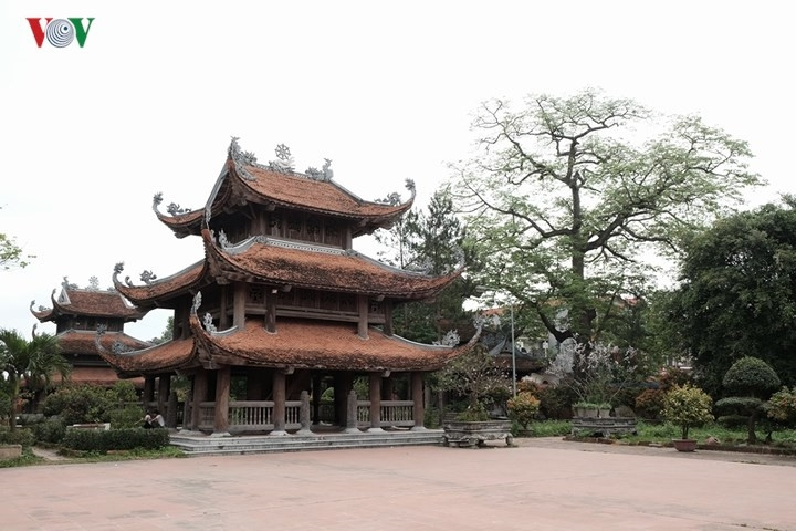300 year old nom pagoda in hung yen