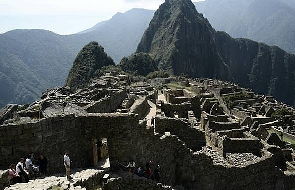 three european tourists expelled from machu picchu over nude photos