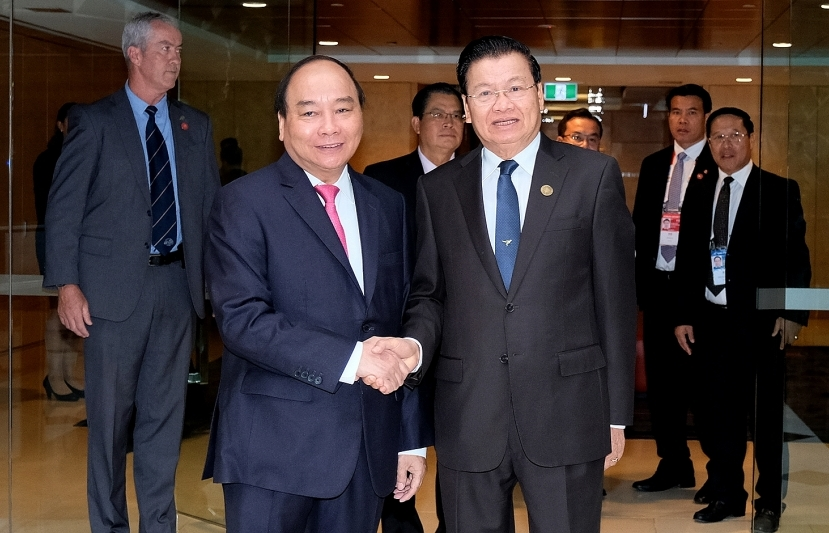 pm nguyen xuan phuc meets lao counterpart former us ambassador on asean australia summit margin