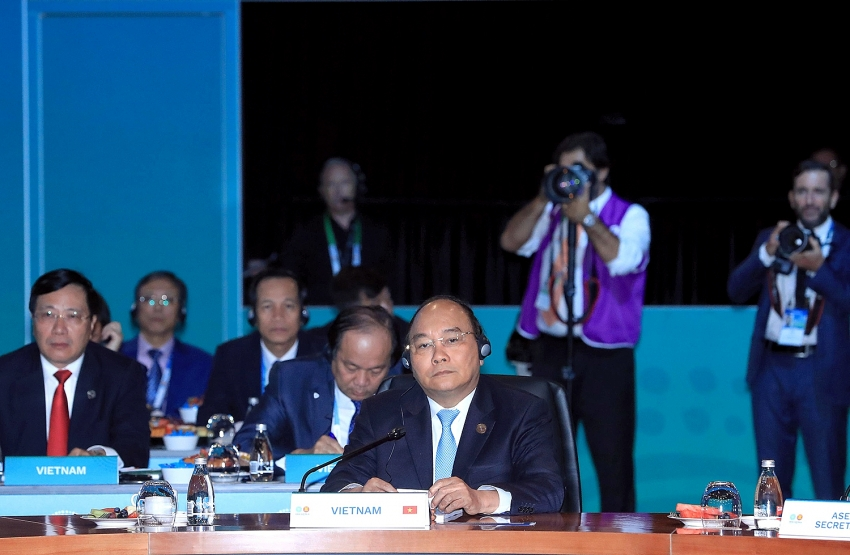 pm phuc warns of potential maritime risks at asean australia summit