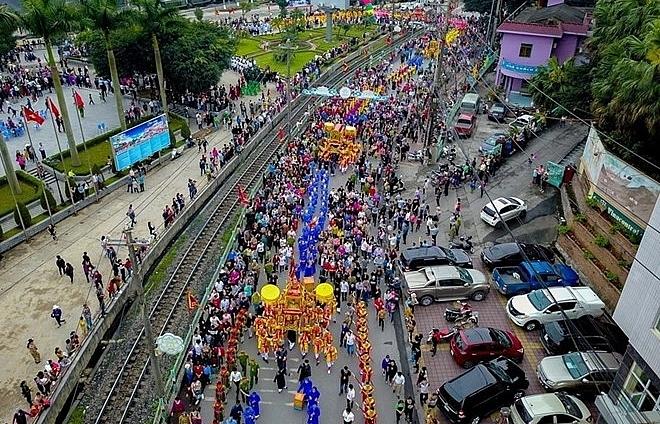 quang ninh cua ong temple festival kicks off