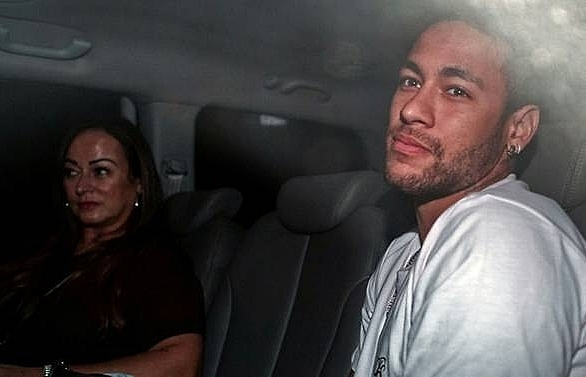 surgeon says neymars recovery going well