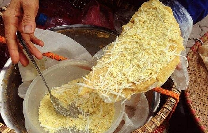 banh da ke simple flavourful snack of hanoians
